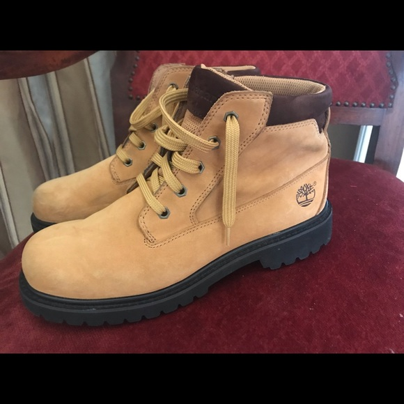 Men's Leather Timberland Boots, Size 9 12
